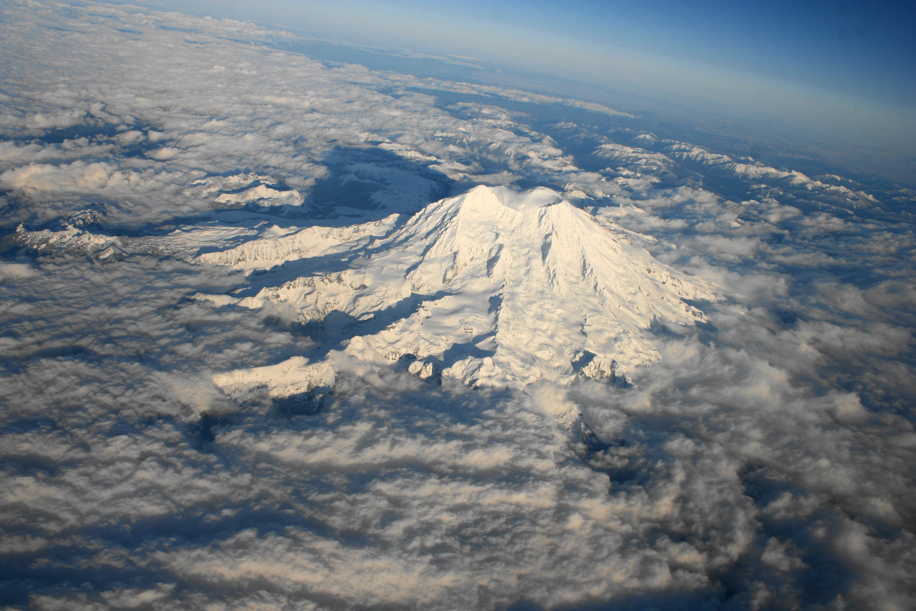 Mount Rainier, Washington (an ariel view)